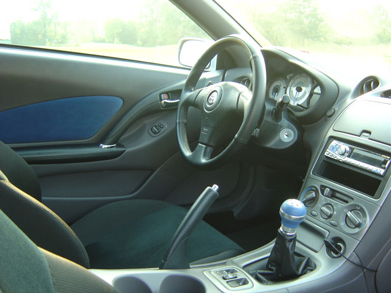 1870120833-full_celica_inside2.JPG